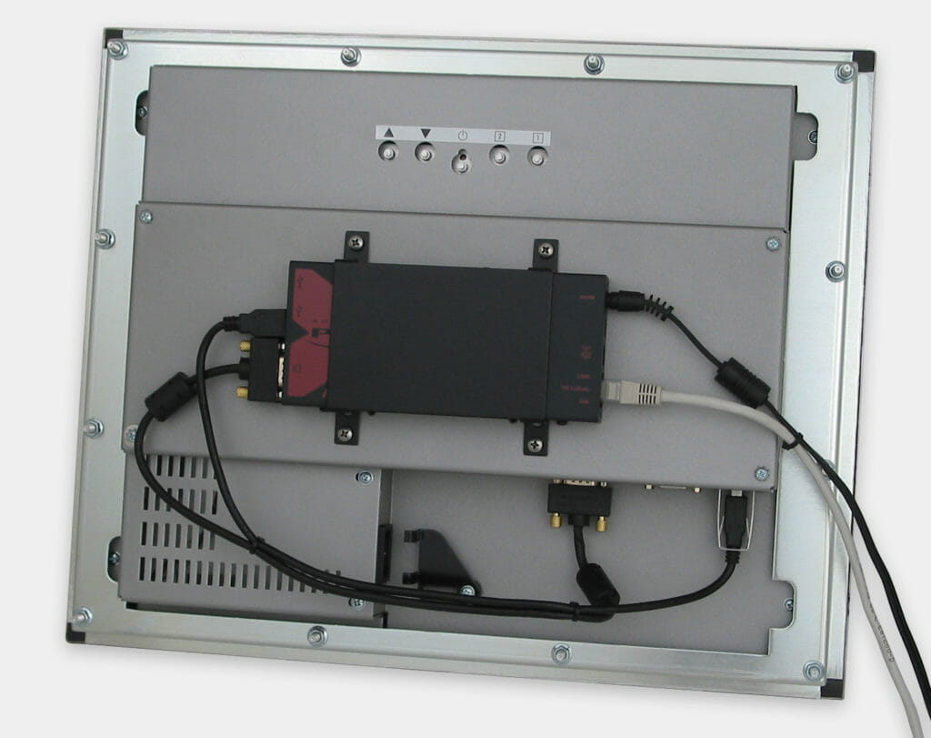 300m Industrial USB KVM Extender VESA Mounted on Panel Mount Monitor